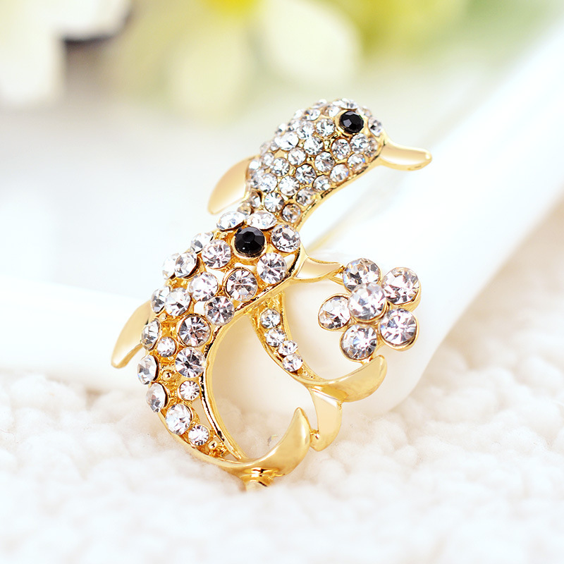 Korean girls fashion color retention brooch environmental electroplating hot corsage S0525(China (Mainland))