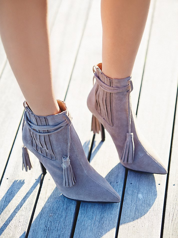 Woman Elegant Gray Suede Ankle Boots Fashionable pointed toe design ankle lace up tassels straped autumn high heeled short boots