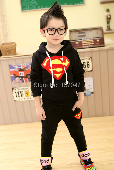 Children Clothing set Sportwear Superman Autumn/winter hoodie children knitted sportswear sportsclothes(China (Mainland))