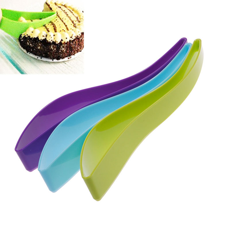 New Funny Convenient Practical Home Kitchen Cake Folder Leaf Shape Slicer Cutter #52279(China (Mainland))
