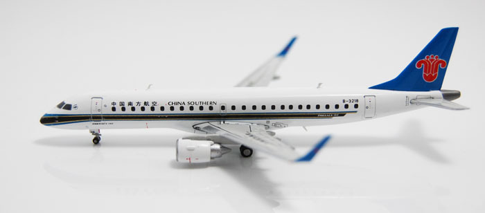 Free Shipping China Southern Airlines ERJ-190 B-3218 Airplane 1:400 Scale Models Plane Figure Model Collection Toys For Children(China (Mainland))