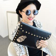 2016 New Fashion Female Envelope Clutch Bag Retro Skull Rivet Clutch Purse Black Sliver Gold Small Handbag Evening Bags