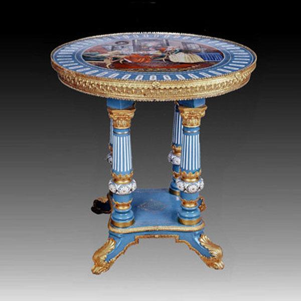 Столик из латуни