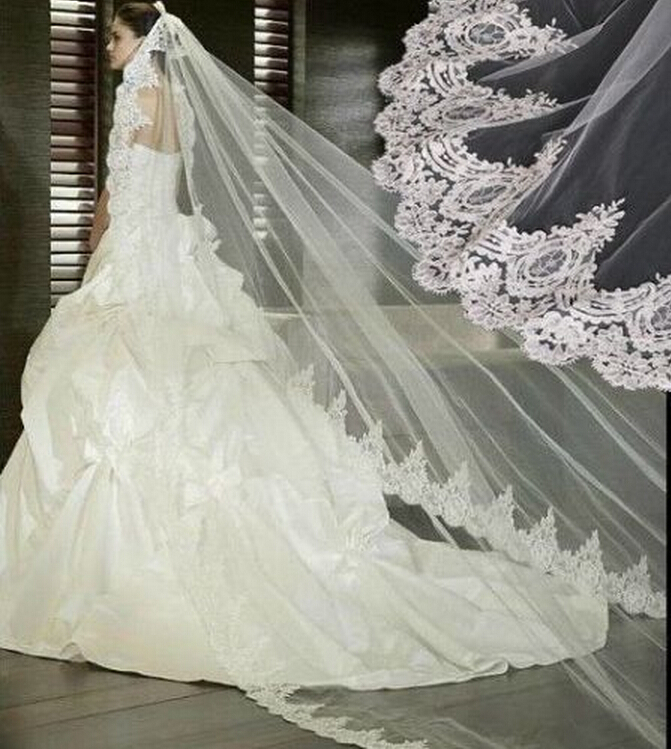 Hot Sale Cathedral Wedding Veils Lace Appliques Veil Ivory Long Bridal Veil Cheap In Stock