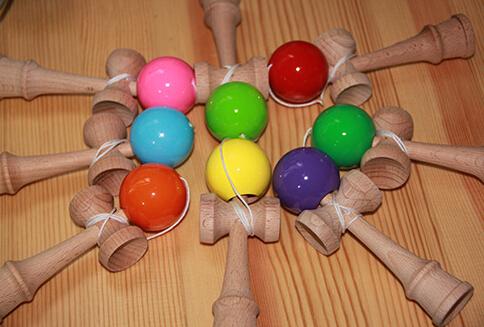 100pcs Small Size 12.5*4.3*2.5cm Funny Japanese beech Game Kendama Ball (mixed color send at random)(China (Mainland))