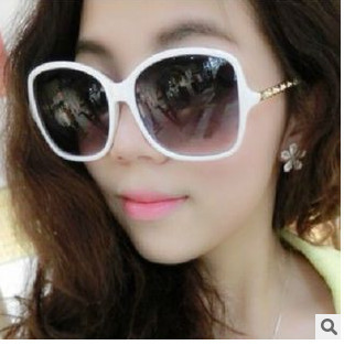 2015 New style Europe and America tide Vintage metal hinge Ms sunglasses(China (Mainland))