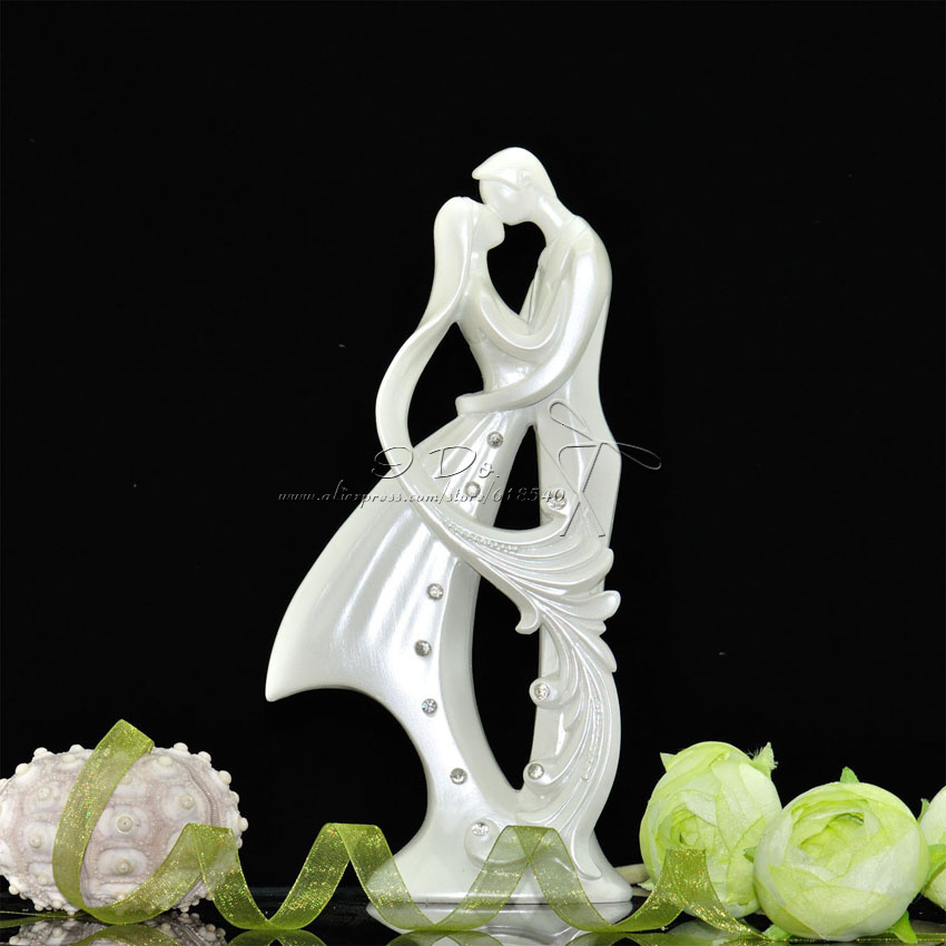 Free Shipping Bride And Groom Resin White Wedding Cake Topper Cake Stand Wedding Cake Accessories Wedding Decoration Casamento(China (Mainland))