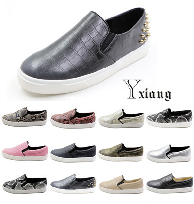 HOT Big size snakeskin\plaid women flats summer&autumn style vintage driving flat shoes woman casual loafers shoes size 35-42(China (Mainland))