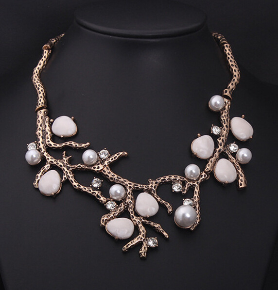 2015 new fashion jewelry bib statement choker ancient ways pearl short clavicle necklace exaggerated new accessories(China (Mainland))