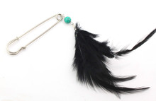 Free Shipping 10PC/Lot fashion jewelry gifts silver kilt pin jewelry black feather 7.5cm safety pins brooch P008-023