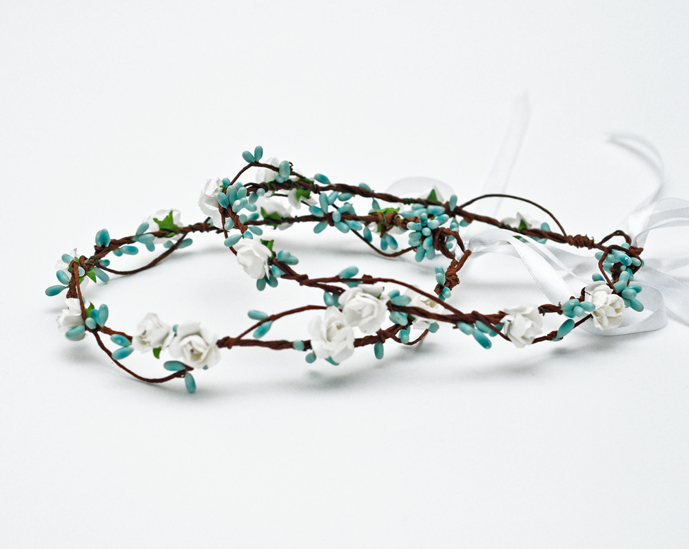2018 New arrival dainty delicate white rose and baby blue pip berries  flower crown headband floral circle hair accessories - us668