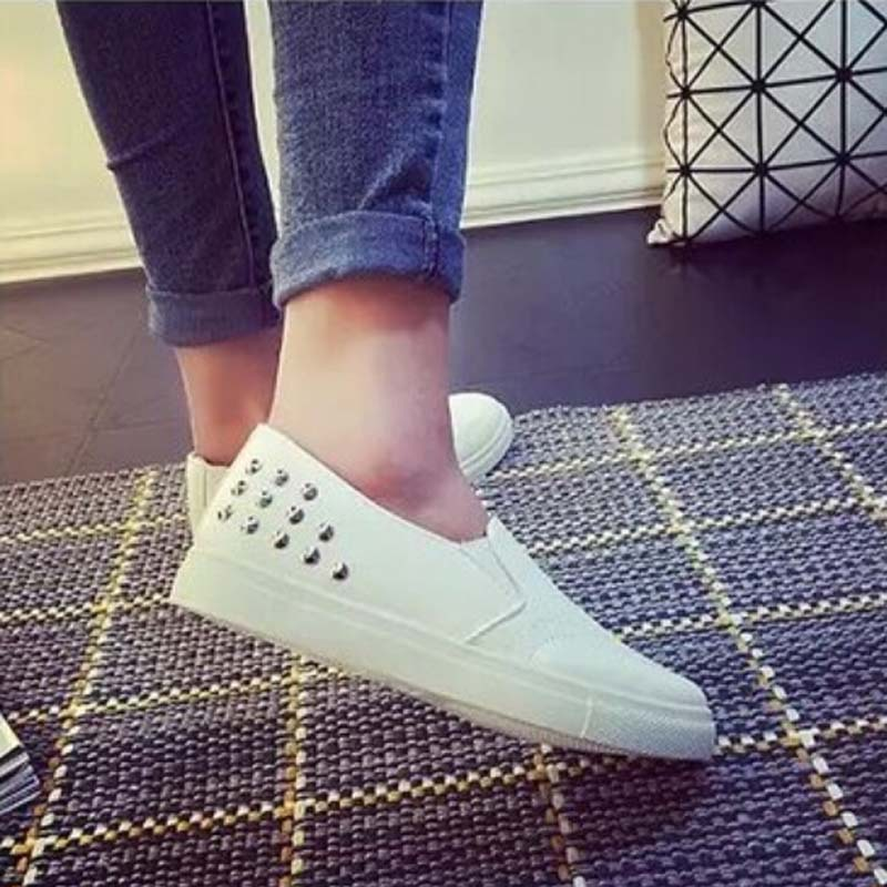 Гаджет  Women Platform Shoes shoes Casual Rivet women flats shoes Round Toe shoes women plus size black/white,DJ0217 None Обувь