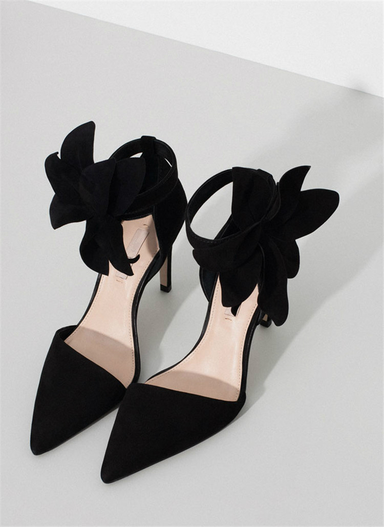 2015 SS New sexy elegant party dress shoes pointed toes black leather big flowers women fashion shoes thin High heels Sandals