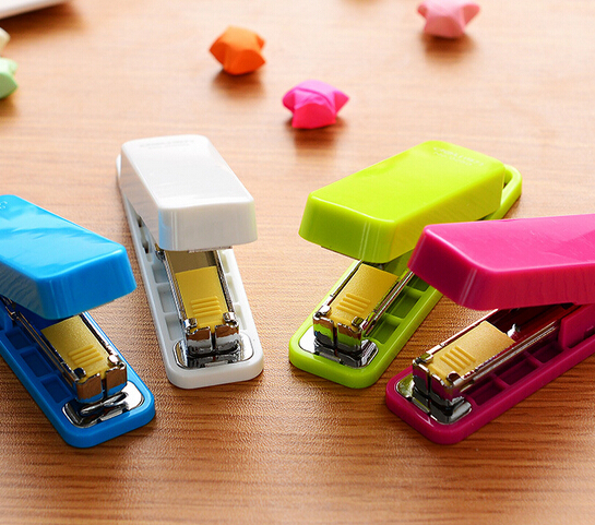 Mini Stapler set Staples Mini style candy color stapler grampeador kawaii stationery office material school supplies(China (Mainland))