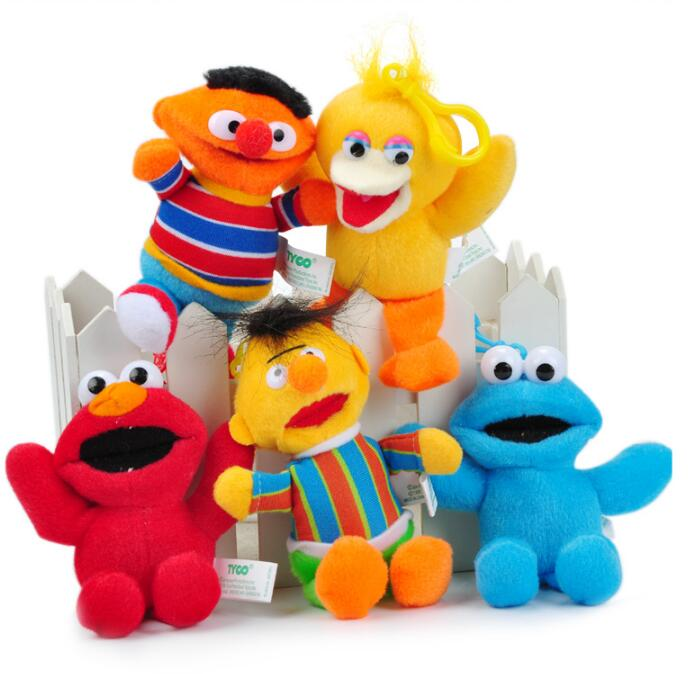 Baby Bed Ornaments toys hanging Sesame Street ELMO 13cm Plush Toy Cartoon Soft Stuffed Dolls Pendant Kids Gift(China (Mainland))