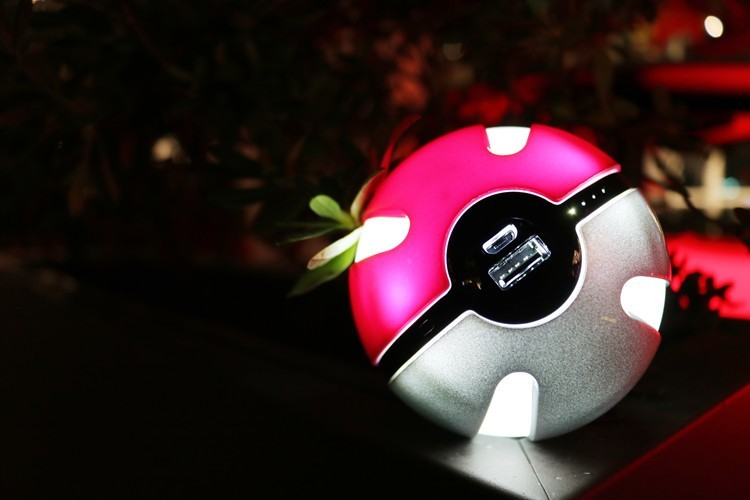 Cute Cool Magic Pokeball Go Ball Power Bank Large Capacity10000mAh Backup Gift Powerbank Portable Charger External Battery