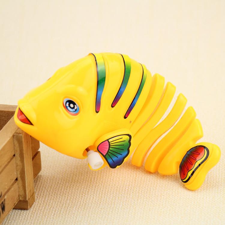 Creative kids toys interesting swing fish clockwork toys baby preschool educational toy toddler toys(China (Mainland))