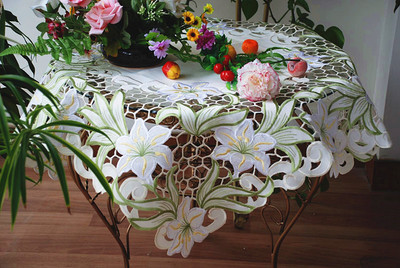 2015 embroidered lilies table linens/emboridered tablecloths handmade cutout tablecloths 85CM SQ(China (Mainland))