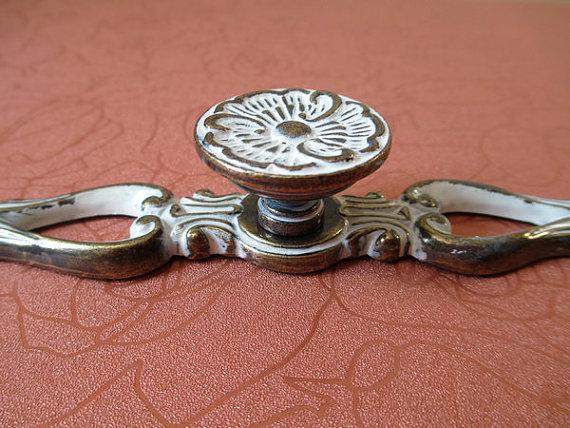 shabby chic dresser knobs drawer pulls handles antique brass white cottage cabinet handle. Black Bedroom Furniture Sets. Home Design Ideas