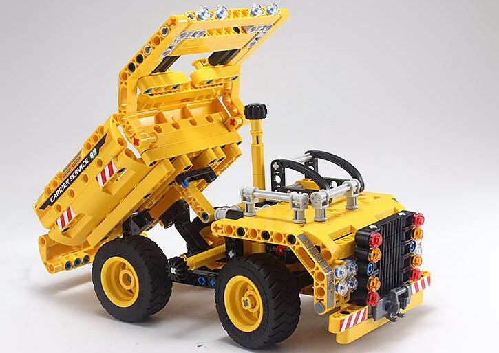 2016 new 361pcs legoe set Yellow truck Constructing Blocks Academic DIY Legoe Development Youngsters Reward Bricks