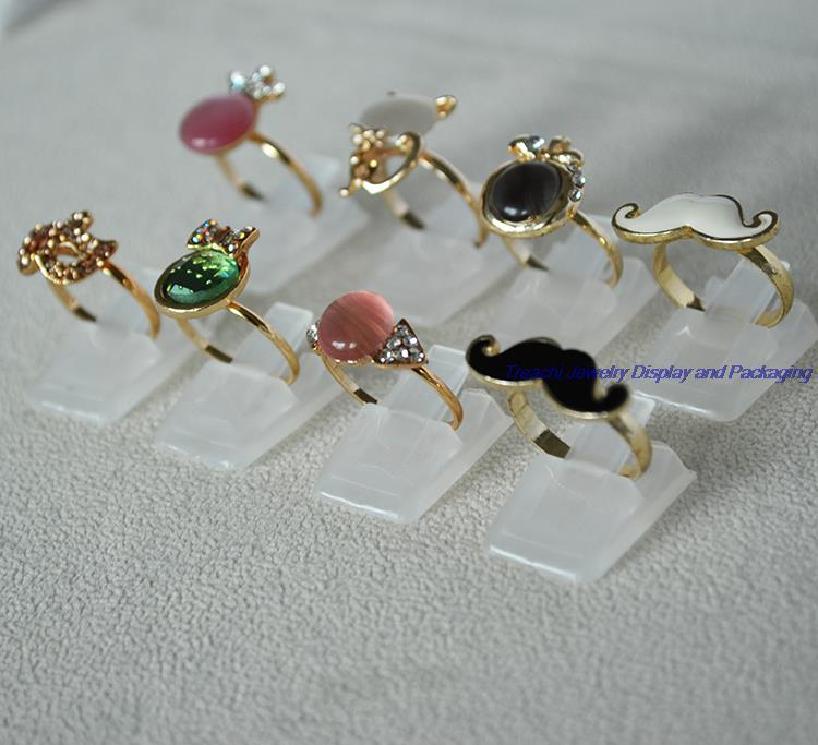 Wholesale Lot of 50 Portable Plastic Jewelry Display Frosted Ring Stands Holder(China (Mainland))
