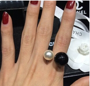 New Arrival 2014 Fashion High quality ring Elegant Colored Double Pearls Ring Lovey Glory asymmetry Pearl E-shine Jewelry T2025(China (Mainland))