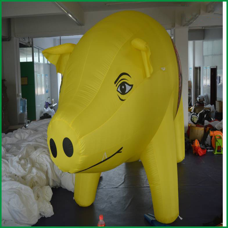 hot selling lovely yellow/ pink advertising giant inflatable pig. inflatable advertising balloon. inflatable giant(China (Mainland))