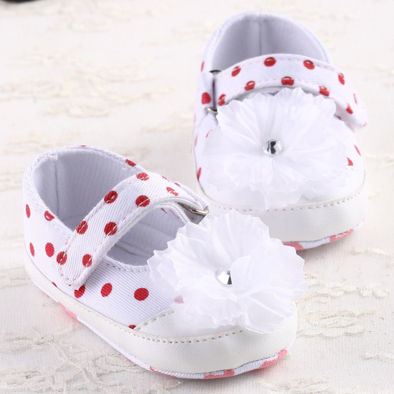 Newborn baby toddler sapatinho bebe flower shoes first walkers chaussure fille Casual Soft bottom baby shoes 3 sizes to choose(China (Mainland))
