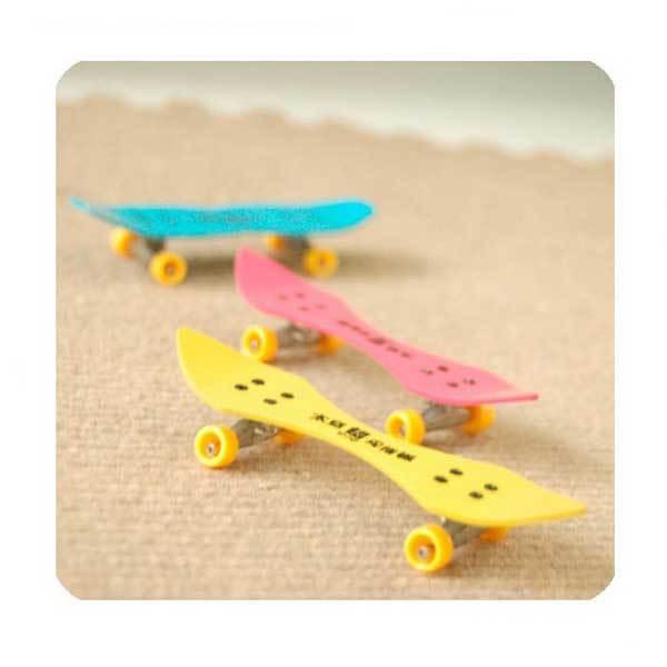 Hendrixx Professional Mini Space Aluminum Finger Skate Board Educational Toys(China (Mainland))