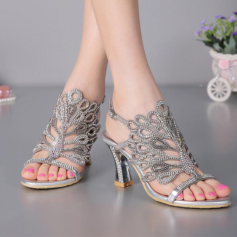 zomer nieuwe sandalen 2015 chunky hak bloemen zilveren. Black Bedroom Furniture Sets. Home Design Ideas