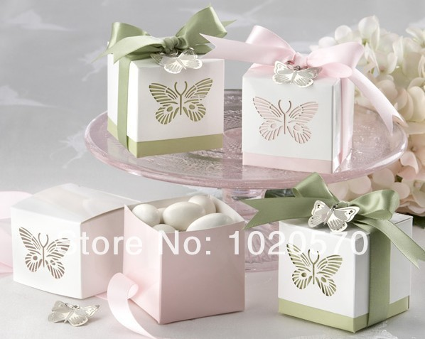 120PCS/LOT Laser-cut Butterfly Favor Boxes Ribbons and Metal Butterfly Pendant Included Candy box Wedding Favor(China (Mainland))
