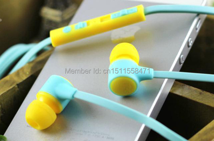 Voice intelligent in-ear earphone fashionable colorful Cartoon headphone with mic for mobile phone(China (Mainland))