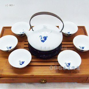 LC-B051 Ultra-high-end beautiful decorative blue and white cloud Jingdezhen Ceramic Tea Gift