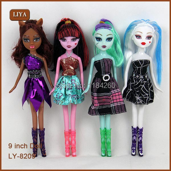Draculaura Clawdeen Wolf Articulated Girls Toy For Kids