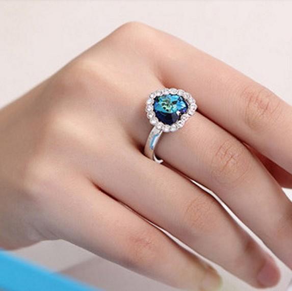 Pizza Hut 2016 Ocean Necklace Jewelry Wholesale New Fashion Women's Blue Zircon Peach Heart The Titanic Necklace Wholesale