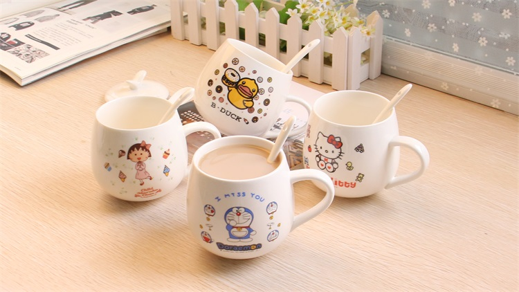 2016 Cute Coffee Cup Or Mug Free Shipping Creative Cartoon Animation With A Lid And A Spoon Hot Sale Handgrip Eco-Friendly(China (Mainland))