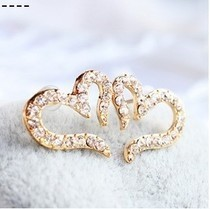 Free Shipping $10 (mix order) New Fashion Vintage Plated Small Love Imitation Crystal Stud Earrings E094 Jewelry(China (Mainland))