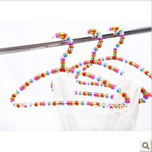 FREE shipping colored acrylic clothes hanger anti-slip pearl hanger curved laundry rack hanging rack drying hanger clothespin