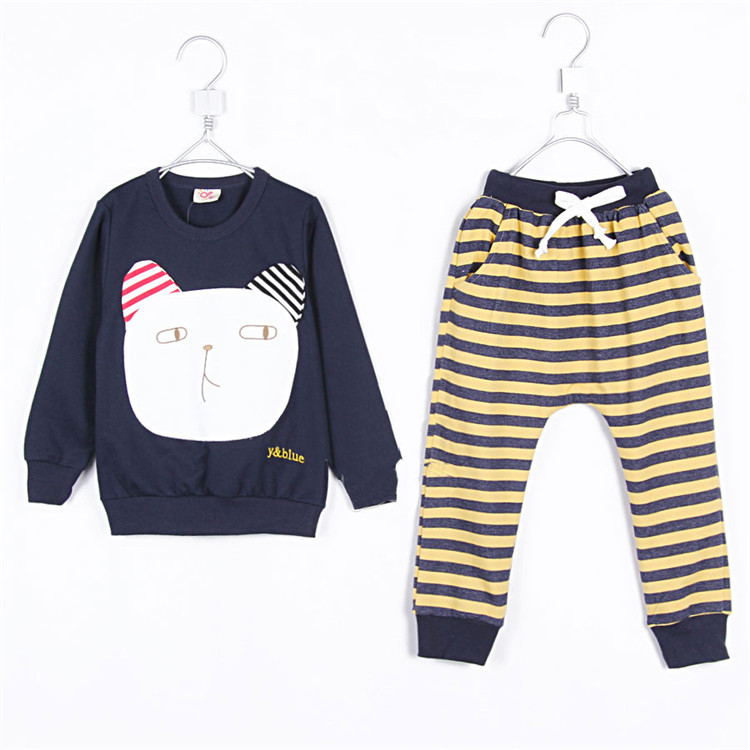 2015 autumn and winter cartoon graphic patterns boys clothing baby child casual fleece set A0167(China (Mainland))