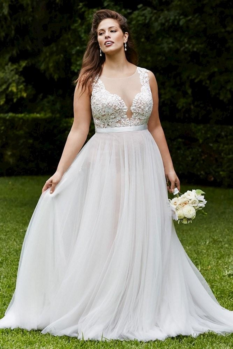 Elegant plus size beach wedding dresses vintage lace for Lace wedding dresses plus size