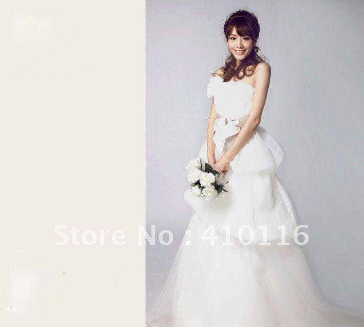 High quality handmaking flower royal bridal dresses 2012 for British wedding dress designers