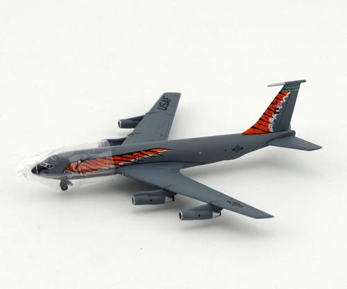 "Dragon 1: 400 56278 KC-135E ""Tiger Meet"" 108th RAW airplane model Favorites Model(China (Mainland))"