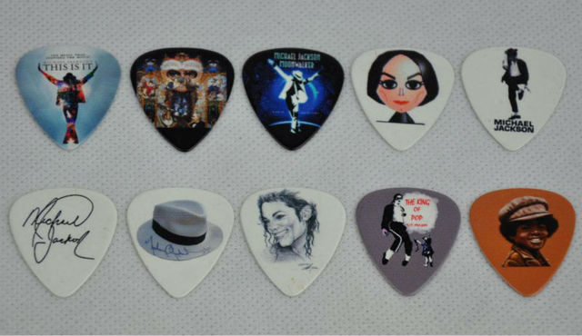 Lots of 20Pcs Michael Jackson 2 sides printing Guitar Picks Plectrum Medium 0.71mm