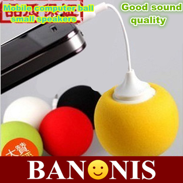 Portable good quality mobile phone 3.5 mm ball small speakers, computer music speakers, mp3 player,Green / red ,2x(China (Mainland))