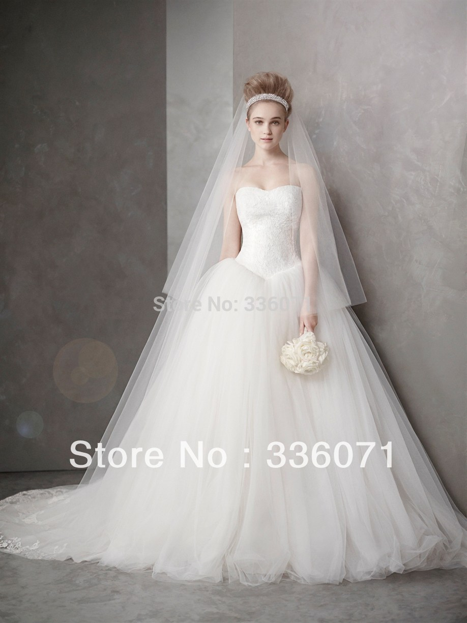Custom made ball gown sweetheart lace tulle chapel train for Wedding dresses chapel train