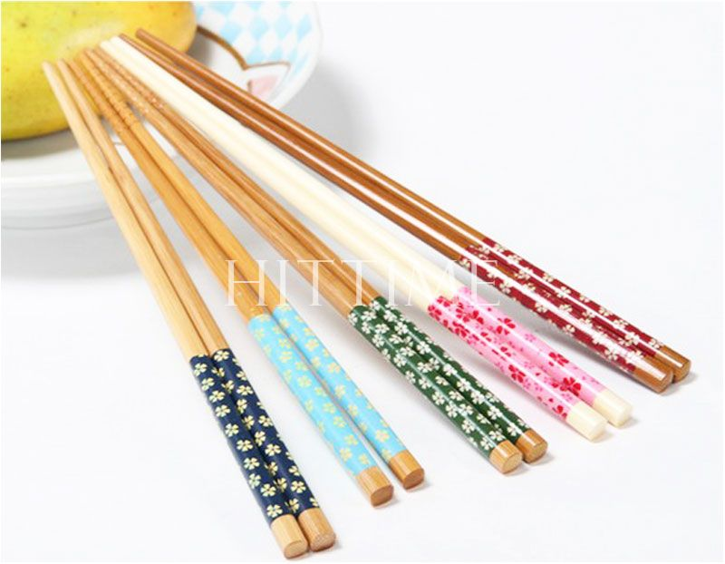 Practical One Pair Stylish Wooden Chopsticks Engraved Bamboo Chinese Retro Nation Style #58199(China (Mainland))