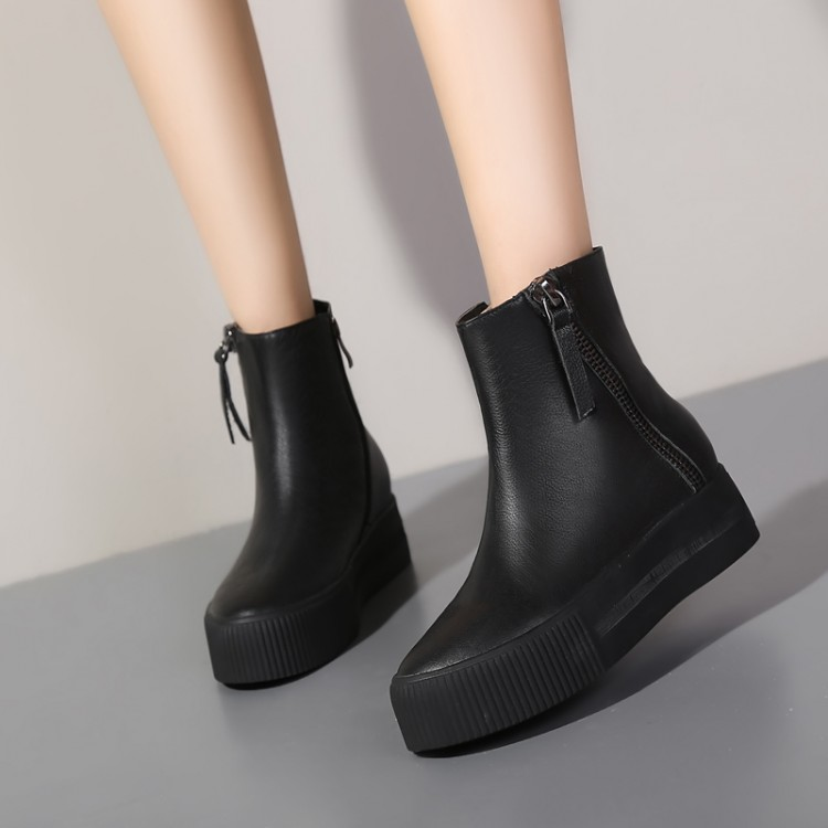 2016 New Women Boots Casual Solid Flats Ankle Boots Autumn and Summer Style Genuine leather shoes women<br><br>Aliexpress