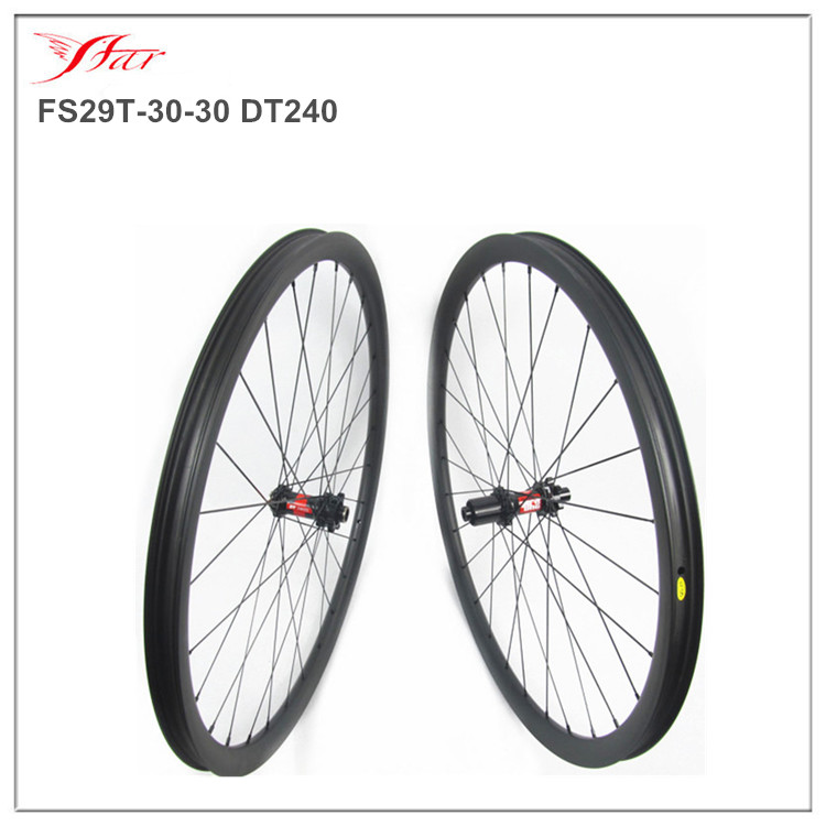 1set hot selling full carbon 29er mtb wheels 30mm width 30mm deep clincher rims disc braking 28H with Sapim spokes durable XC <br><br>Aliexpress
