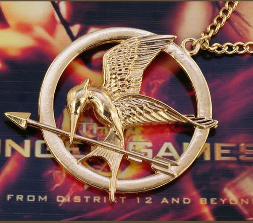 Hot Sale Fashion Film Jewelry The Hunger Games 1 Chains Necklace Ridicule Birds Animal For Women Men Gold Pendant Necklaces(China (Mainland))