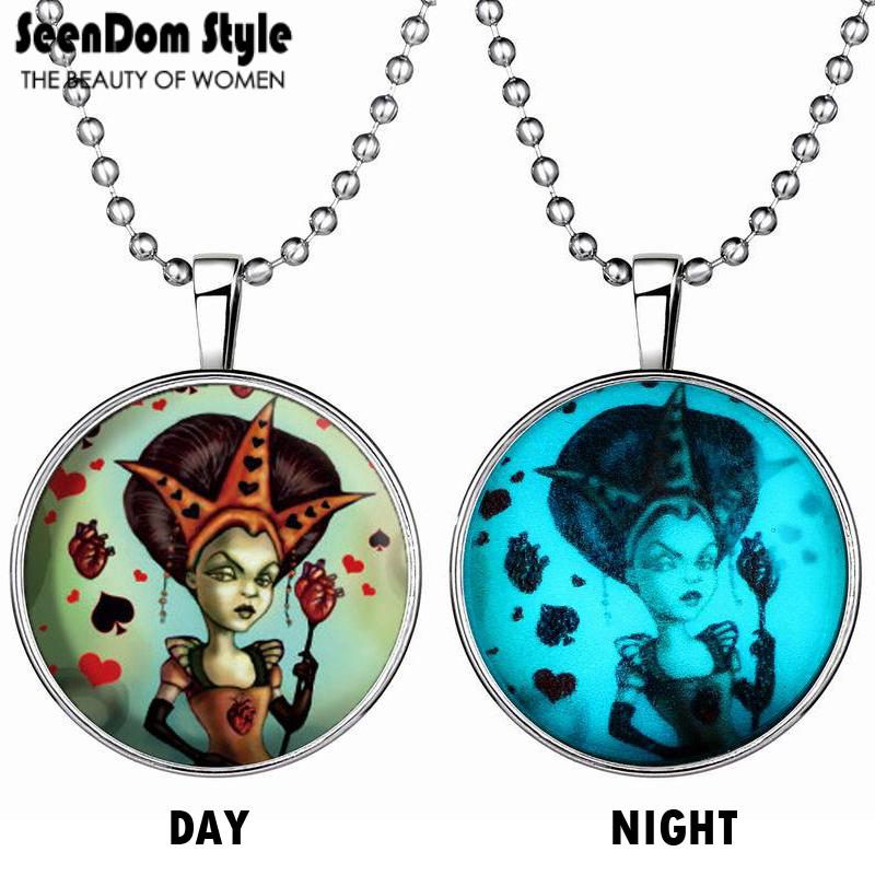 SeenDom Luminous Poker Queen Sweater Chain Glow in the Dark Sorceress Charm Collares Punk Statement Necklace Halloween Gift(China (Mainland))
